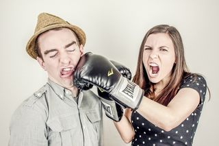 Man-couple-people-woman-medium fighting